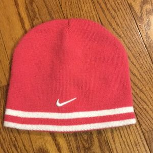 Nike youth size 7-16 pink and white hat